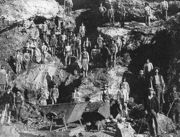 Serifos-miners-1895b